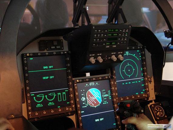 中国枭龙战机座舱设计远超最新F-16与台风同级