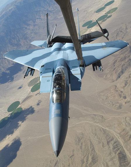 图文:美国空军目前已经重型F-15D战机编入假想敌部队