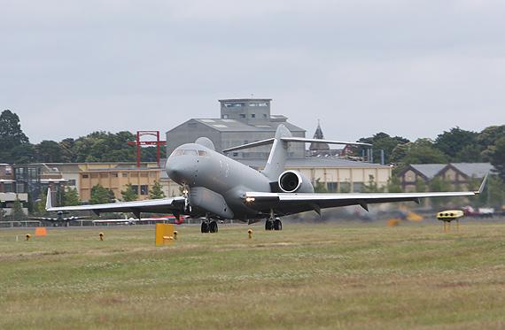 英国空军最新型哨兵预警机亮相范堡罗航展(图)