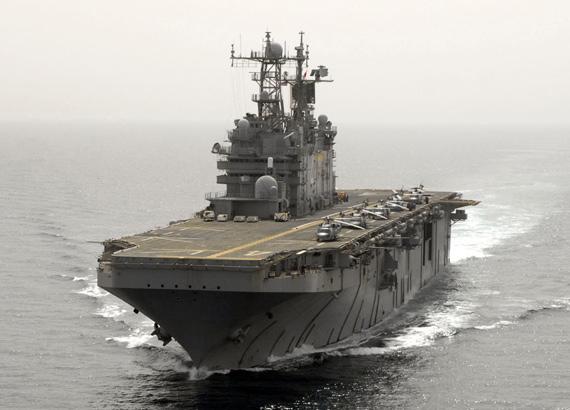 """图文:美国海军""""塔拉瓦""""级两栖攻击舰"""