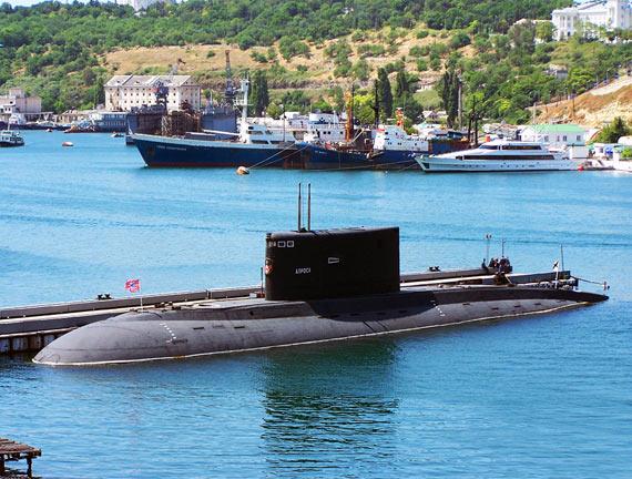 俄黑海舰队装备的基洛级潜艇