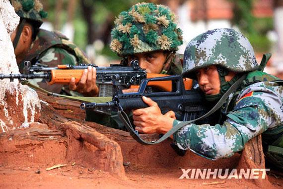 组图:中方陆军部队向印军演示班组反恐战术