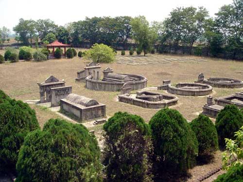 靠近印度加尔各答的中国军队公墓。