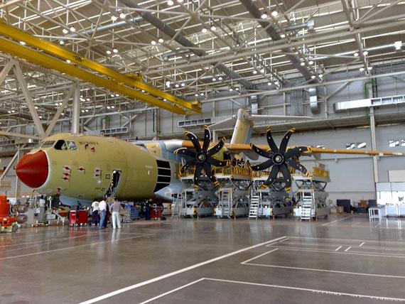 图文:生产过程中的空客A400M运输机