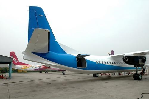 图文:新舟600飞机完成装配