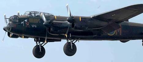 图文:二战时飞机将在范堡罗航展进行飞行表演