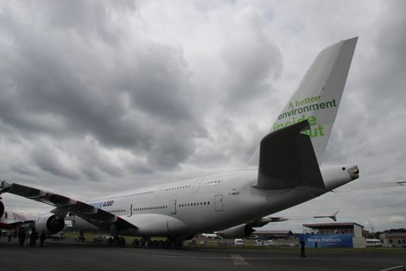 组图:空客携世界最大客机A380亮相范堡罗航展