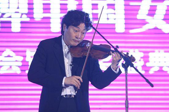 旅美小提琴家吕思清小提琴独奏《爱的致意》《梁祝主题》