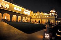拍摄地:斋浦尔的王宫