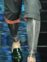 银色蛇皮纹打底裤
