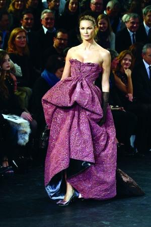紫色的蓬蓬裙
