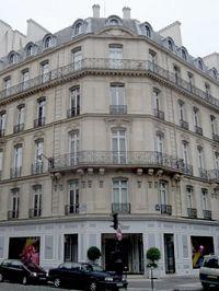 巴黎蒙田大道上的Dior旗舰店