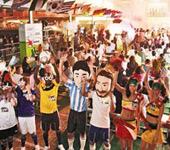 香港:食肆酒吧热闹爆满