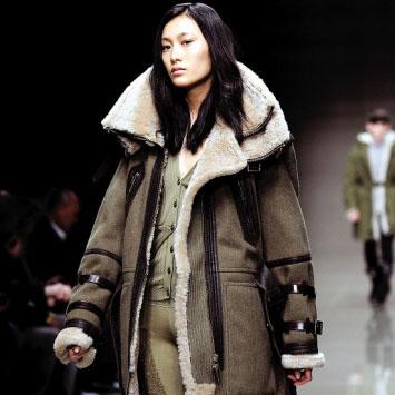 秦舒培:第一个上法版Vogue的亚洲模特