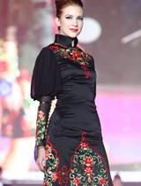 外国选手演绎中国改良旗袍
