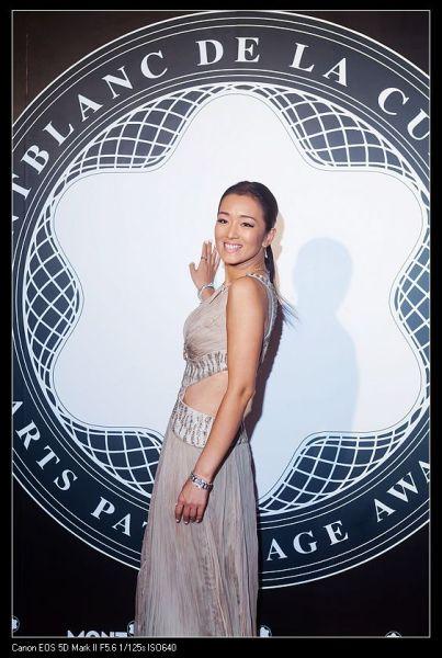巩俐盛装出席第20届万宝龙国际艺术赞助大奖颁奖盛典