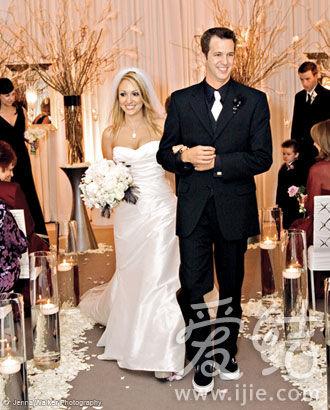 紫色灯光下的欧式奢华婚礼