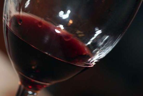 红酒最佳侍酒温度引用,口感更好
