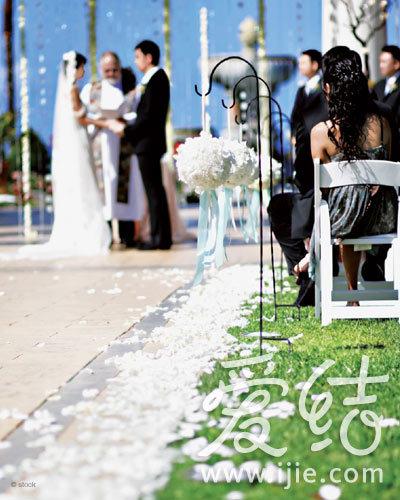 选择一个优秀的婚礼司仪很重要