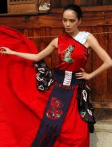 鲜艳中国红