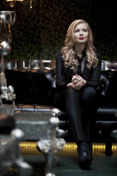 IZMAYLOVA首席设计师–Antonina Izmaylova