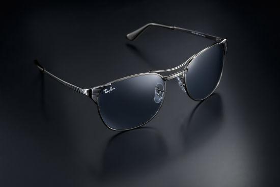 Johnny Marr限量版眼镜令人回想起经典的 Signet