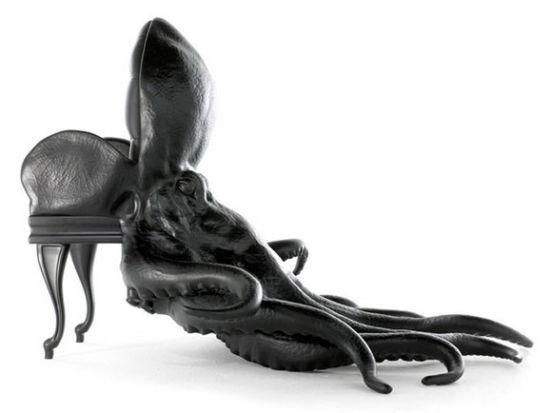 """现代技术塑造远古海洋生物,每个物种都继承了动物的的自然生命力。他希望能在设计中呈现出动物的美丽神态。提醒人们,动物是地球上很重要的种群。   章鱼座椅,是设计师maximo riera""""家具和动物""""结合家居设计中的一组作品。这个作品集就是尊崇生活在地球上所有的动物,并作为一种尝试去反映或捕捉到大自然创造的每一种生物的美。  犀牛椅将犀牛描绘的栩栩如生"""