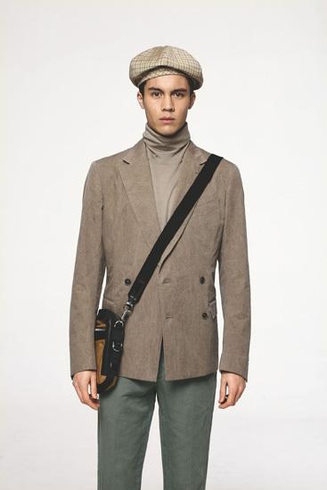 西装搭配高领衫-西装的时尚搭法