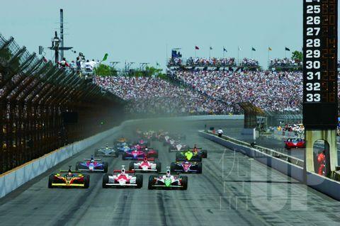 """""""印第500""""才是美国人的最爱,因为这里有最疯狂的速度和极具破坏力的赛车事故,正是美国人喜欢的""""重口味"""""""