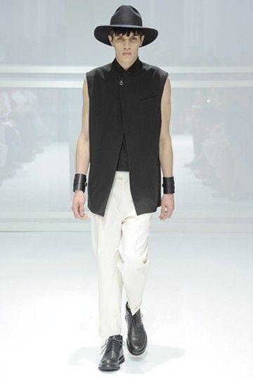 Dior打造的男士形象依旧简洁帅气