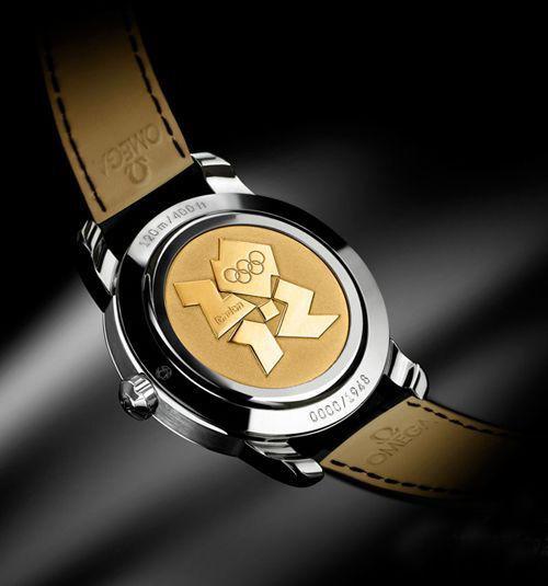 18K黄金材质的表背刻蚀有伦敦2012年奥运会会徽图案