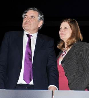 英国前首相戈登-布朗及其夫人