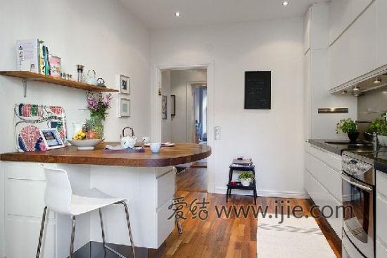 小户型大客厅 58平米北欧风格公寓   因为是欧洲的公寓,所以厨房里