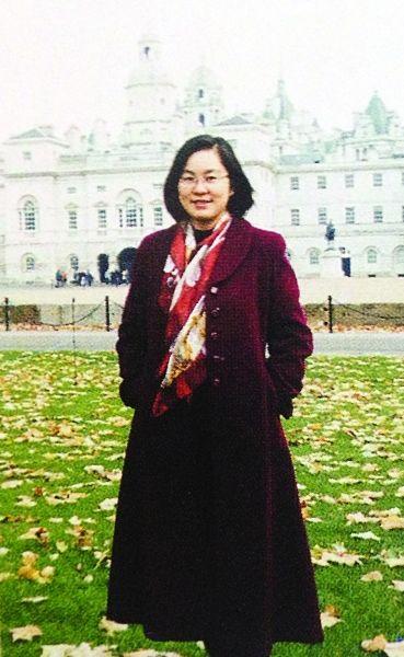 华春莹在欧洲的生活照。图由江苏省淮州中学提供