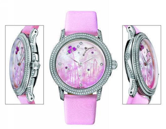 粉红色珍珠母贝表盘,镶有28颗宝石,共1.16克拉