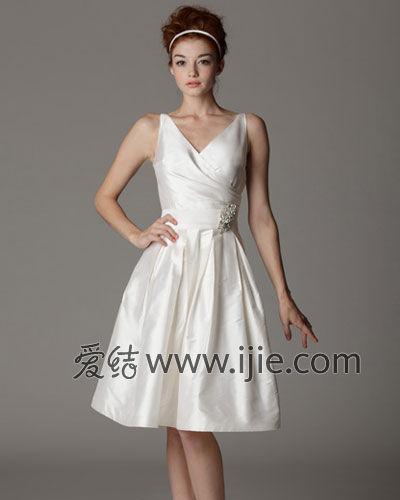 2014春夏婚纱趋势三:短款婚纱的俏皮优雅