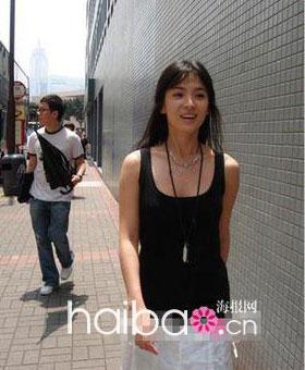 宋慧乔在香港期间的生活照