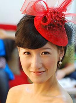 人间精灵姜惠贞 演绎靓丽短发新娘(组图)图片