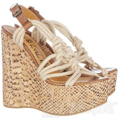 性感女性高跟鞋情趣用品的绑带特殊图片