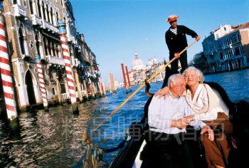 来到威尼斯,又怎能不试试贡多拉?