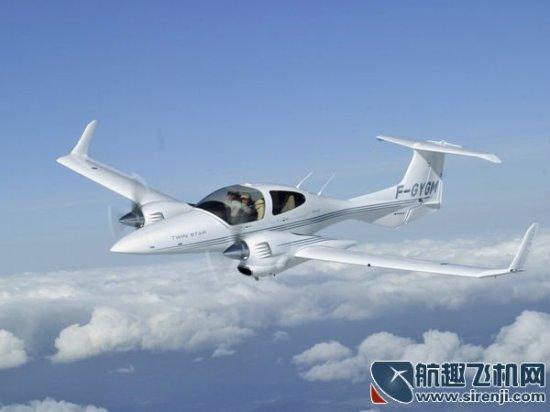 还是珠海雁州轻型飞机制造有限公司生产的美人鱼(译名)海陆空三栖两座
