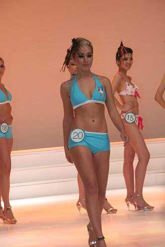 09新丝路北美模特大赛-泳装展示20号选手