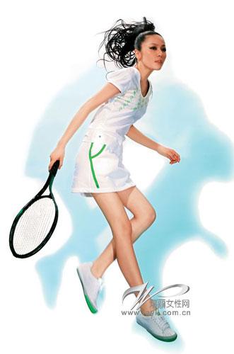 宽松的裙体设计(图片来源:瑞丽时尚先锋)
