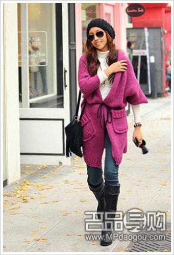 紫色长款毛衣外套传出冬季优雅魅