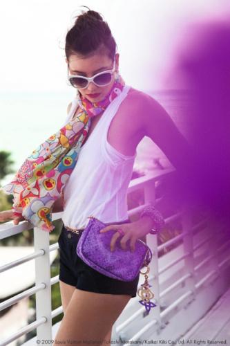 俏丽紫色手包