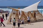 海滩竹子凉亭