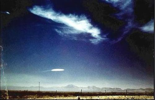 UFO经典照片 1957年新墨西哥州不明飞行物