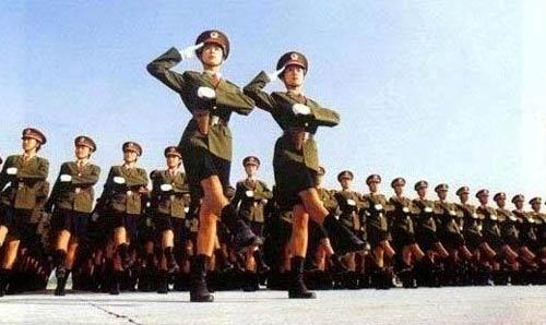 1999年国庆大阅兵时资料图