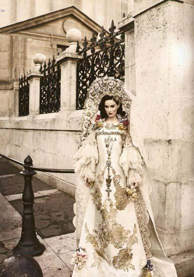 组图:脱衣舞娘黛塔范提思另类写真高贵典雅