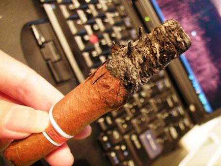 燃烧的雪茄